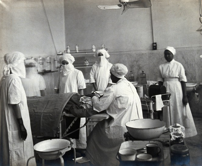 Lady Hardinge Medical College and Hospital, 1921, An operation taking place [Wellcome Collection]